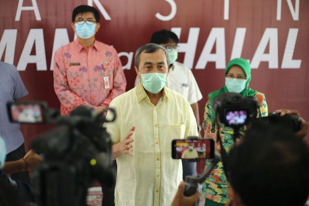 Usai Divaksin, Gubernur Riau Akui Tidak Memiliki Gejala