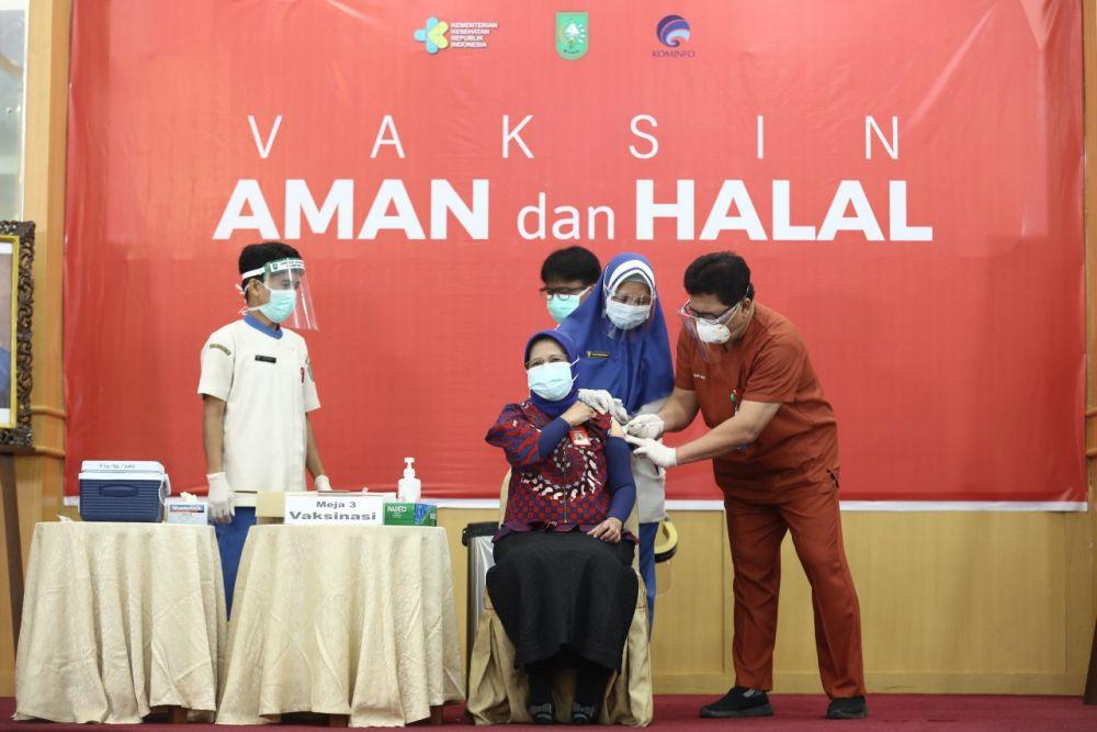 Vaksinasi COVID-19 di Riau Telah Mencapai 159.580 Dosis