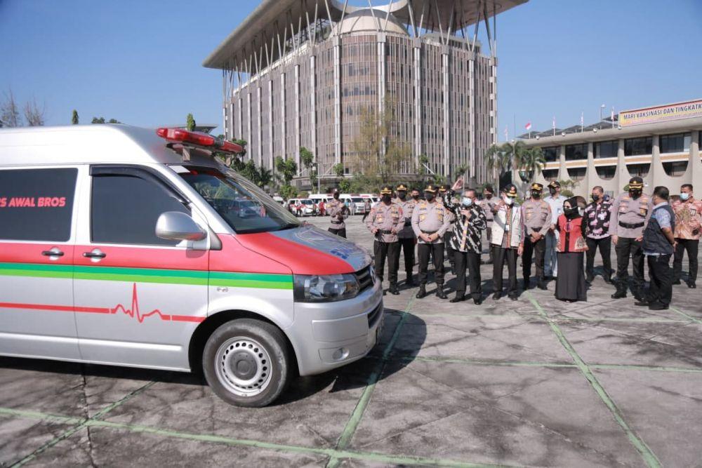 Wagubri Lepas 60 Ambulans Jemput Pasien Covid 19 yang Isolasi Mandiri di Pekanbaru