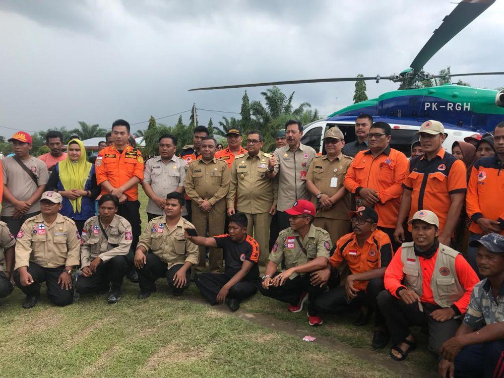 Wagubri Serahkan Bantuan Ke Warga Terdampak Banjir di Rohul