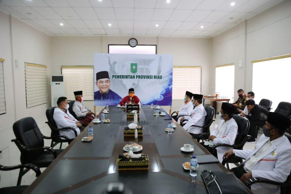 Wagubri Terima Audiensi DPTW PKS Provinsi Riau