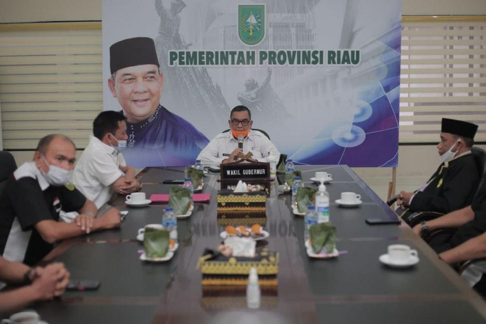 Wagubri Terima Silaturahmi Kerukunan Keluarga Banjar Riau
