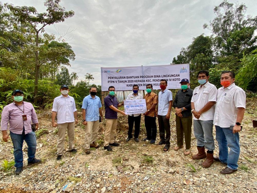 Warga Desa Pendalian, Menerima Bantuan Pembangunan Jalan Rp195 Juta