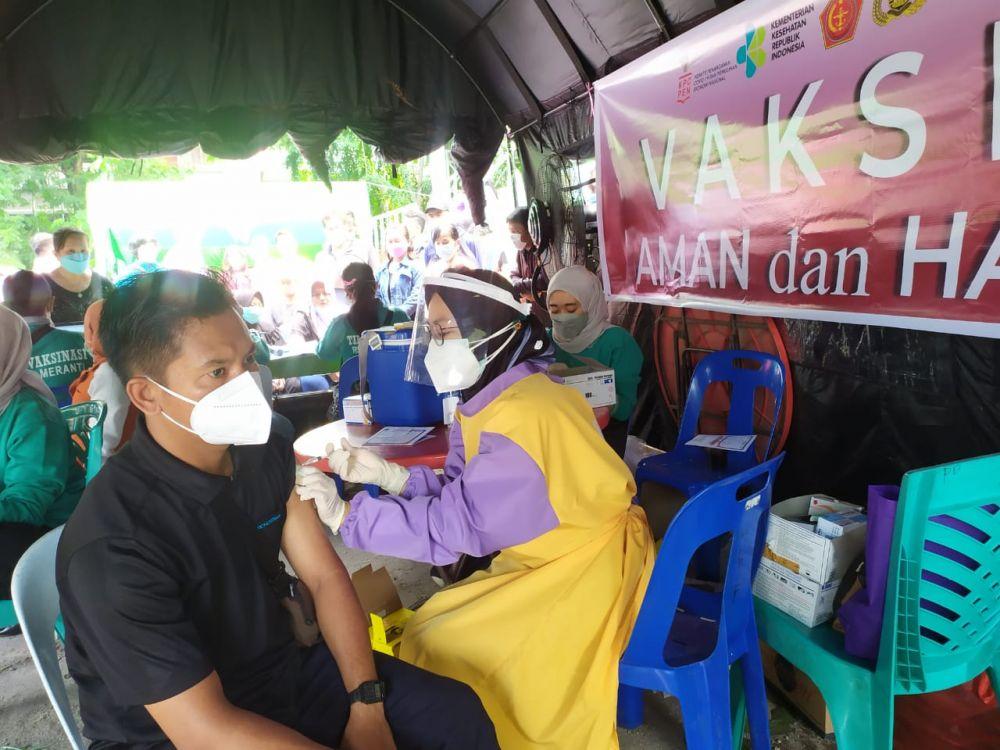 Warga Meranti Antusias Ikut Vaksinasi COVID-19, Target 1.000 Orang Sehari