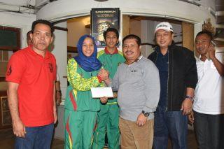 Bupati Amril Sambangi Atlet PON Bengkalis di Bandung