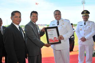 Bupati Inhu Terima Penghargaan Smart City Nusantara