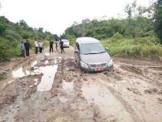 Jalan ke Rupat Utara Rusak