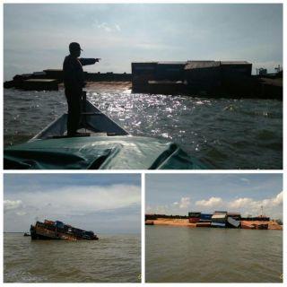 Kapal Muatan Kontainer Tenggelam di Perairan Rupat