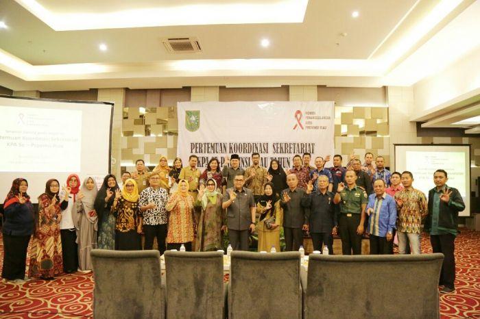 Foto Bersama Wagubri Bersama KPA Riau
