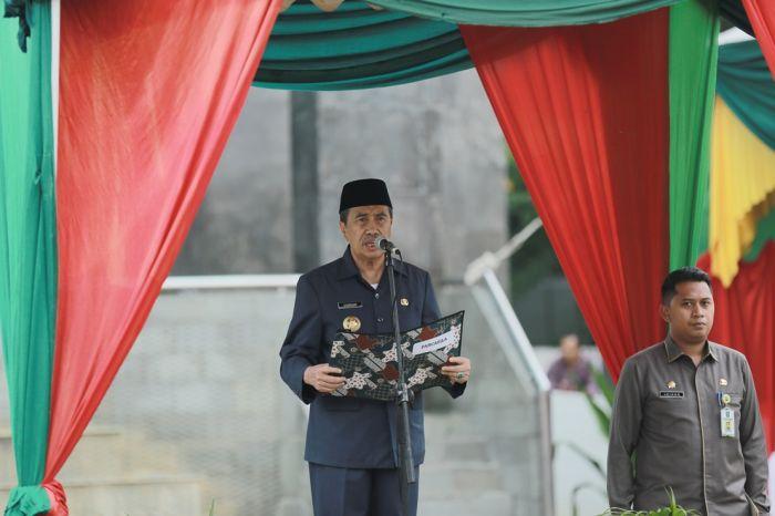 Gubernur Riau Pimpin Upacara