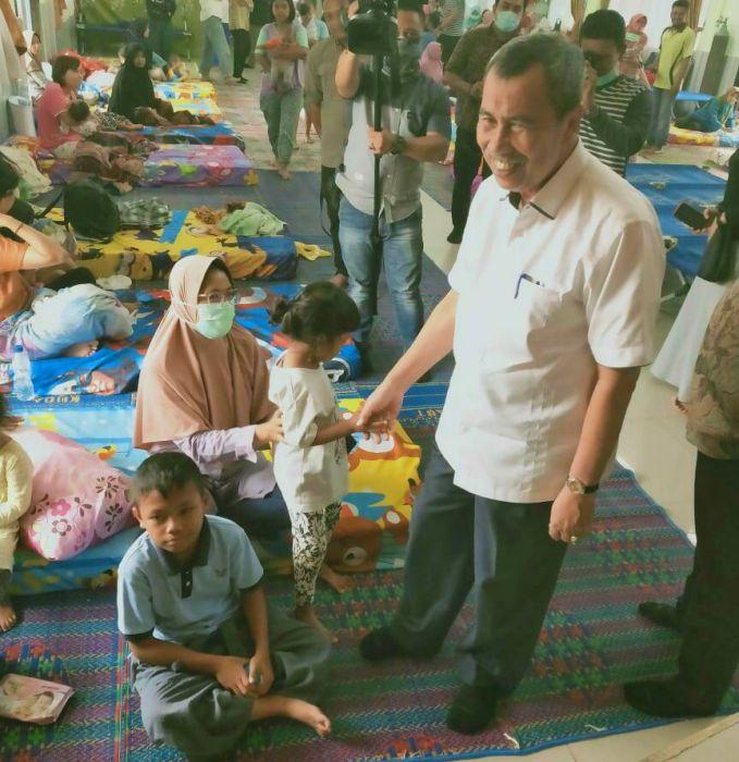 Gubernur Riau Tinjau posko Kesehatan