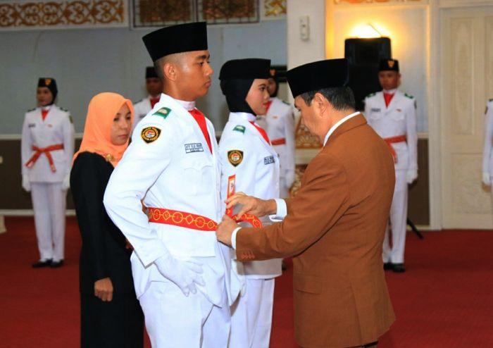 Gubri Kukuhkan Paskibraka Riau 2019