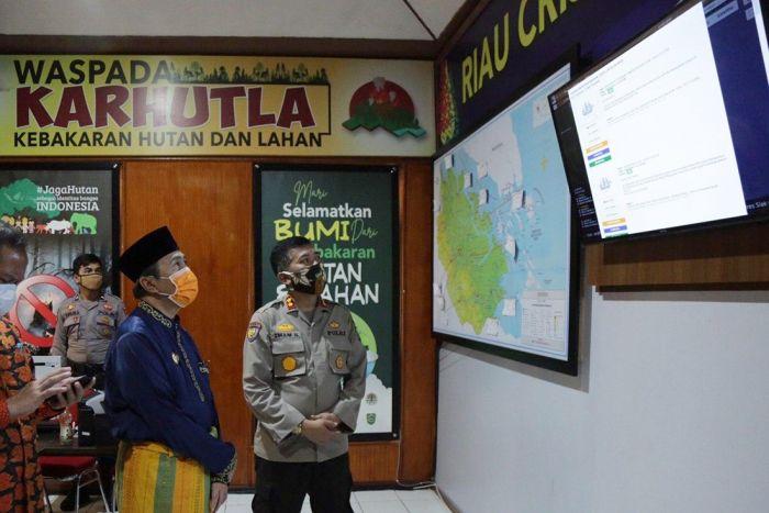 Gubri Lihat Penyebaran Karhutla Riau