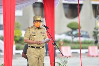Wagubri Serahkan SK  CPNS Formasi Tahun 2019