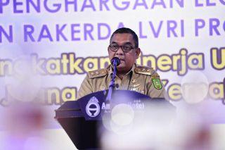 Sambutan Wagubri di Penganugrahan LVRI Riau