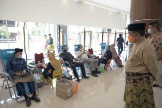 Wagubri Tinjau Donor Darah Sempena HUT ke 63 Provinsi Riau