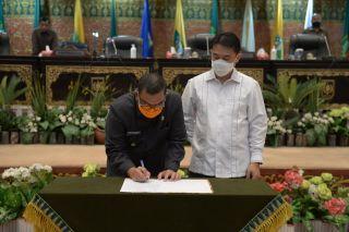 Wakil Gubernur Riau Hadiri Sidang Paripurna DPRD Riau